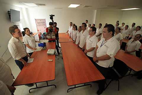 El Gobernador Velasco destacó que ahora la Región Frailesca cuenta con un espacio adecuado, para almacenar y distribuir las vacunas que cuidan la salud de la niñez.