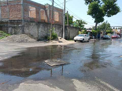 Aguas Negras Contaminan en Colonias del Sur Oriente de la Ciudad