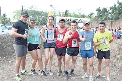 """Club de corredores """"Iron Kids"""" de Huixtla."""