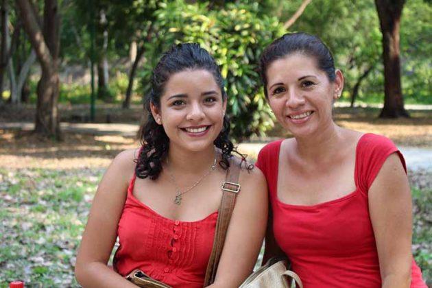 Belén Rosales, Claudia García.