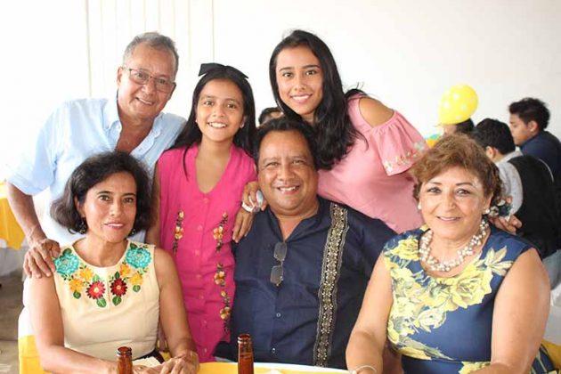 Patricia Roblero, Ariel del Castillo, Mónica, Anahí, Javier Fong, Beatriz Yutte.