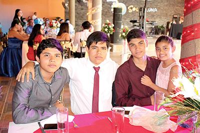 Alejandro, Eduardo, Wilberth, Lupita Digheros.