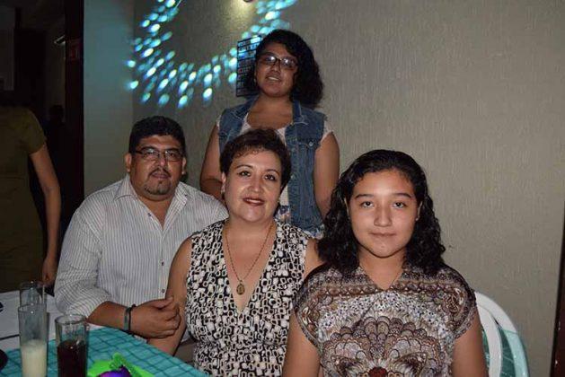 Familia Almaraz Yahuaca.