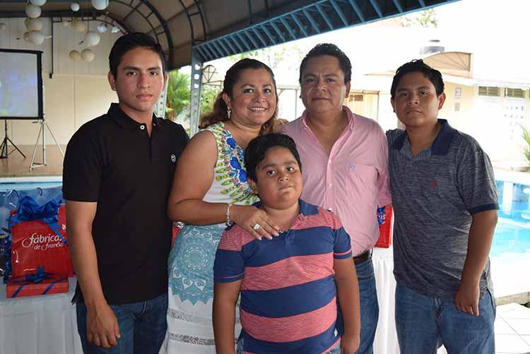Familia Rosas.