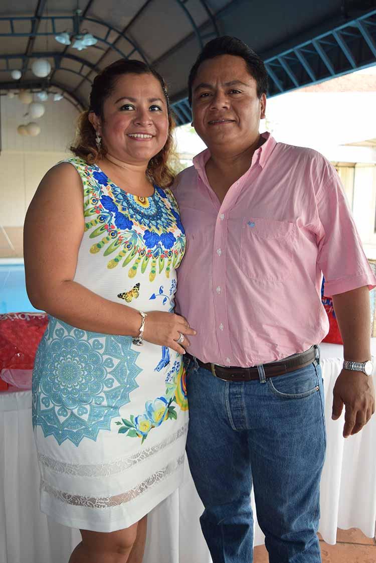 Brenda de Rosas, Marco Antonio Rosas.