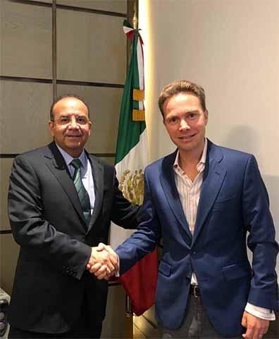 En reunión de trabajo, el gobernador Manuel Velasco Coello y el secretario de Gobernación, Alfonso Navarrete Prida, acordaron reforzar las estrategias de seguridad en la frontera sur.