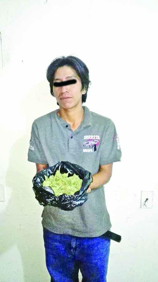 Detienen a Presuntos Traficantes con Marihuana