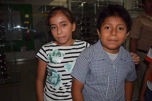 """Marisol Rabanales, César Martínez, primaria """"Julia Quezada""""."""