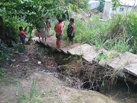 Piden Reconstrucción de Escaleras que son Ruta de Evacuación