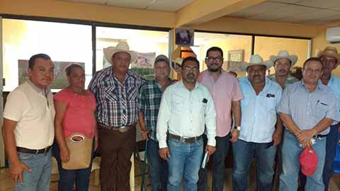 Sostiene FGE Reunión de Trabajo con Asociaciones Ganaderas de Pijijiapan