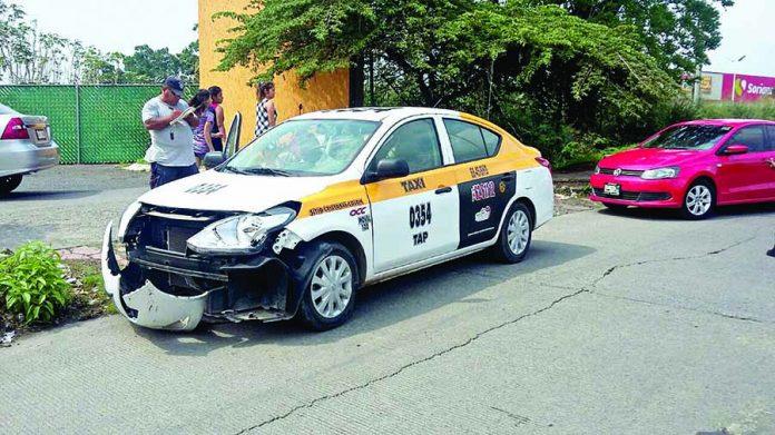 Taxista Arrolla a Motociclista por Alcance
