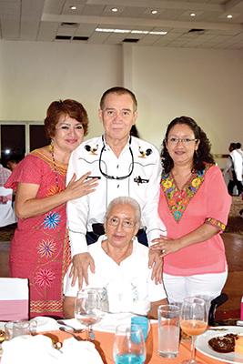 Alma Rosa Vázquez, Víctor Vázquez, Magdalena Rabasa, Magdalena Vázquez.