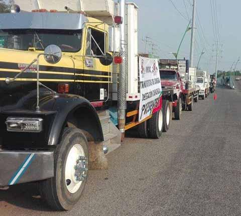 Protestan Transportistas en el País Contra Inseguridad en las Carreteras