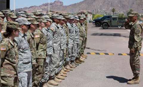 Envían Militares a la Frontera con México