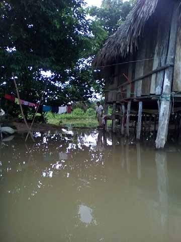 Se Desborda Río Vado Ancho en Acapetahua