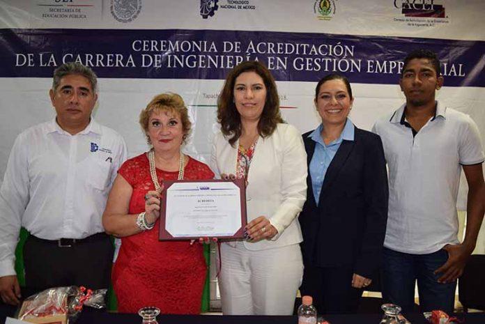 El acto protocolario fue encabezado por la Directora General de CACEI: María Elena Barrera Bustillo, y por la Directora del ITT: Maestra Rosa Aidé Domínguez Ochoa.