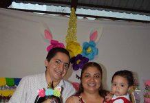 Jennifer & Arlette con sus amorosos padres: Julio Hernández & Lupita Monterrosa.