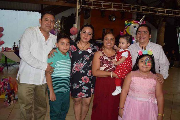 Alfredo Sánchez, Baretd Sánchez, Pily García, Lupita Monterrosa, Arlette, Jennifer, Julio César Hernández.