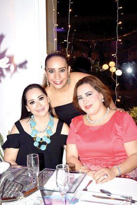 Lupita Meza, Rocío de Vera, Rina de Courtois.