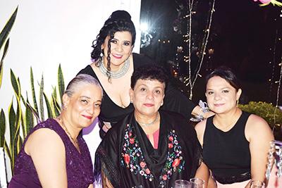 Mercedes Ávila, Perla de García, Ana Galindo, Victoria Galindo.