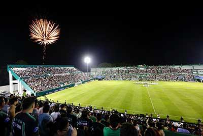 El mandatario estatal destacó que Cafetaleros se ha consolidado como un equipo importante, consiguiendo resultados como la coronación del Torneo Clausura, un hecho histórico para el deporte profesional en Chiapas.