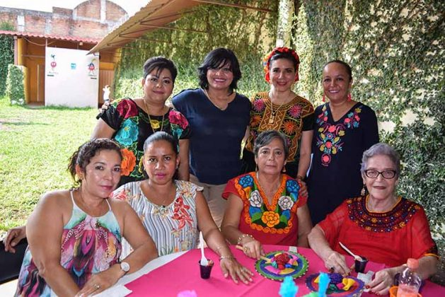 Yadira Velázquez, Carina Martínez, Izveth Tello, Itzia Martínez, Anita Salgado, Nelly Citalán, Maty Gordillo, Tere Acosta.