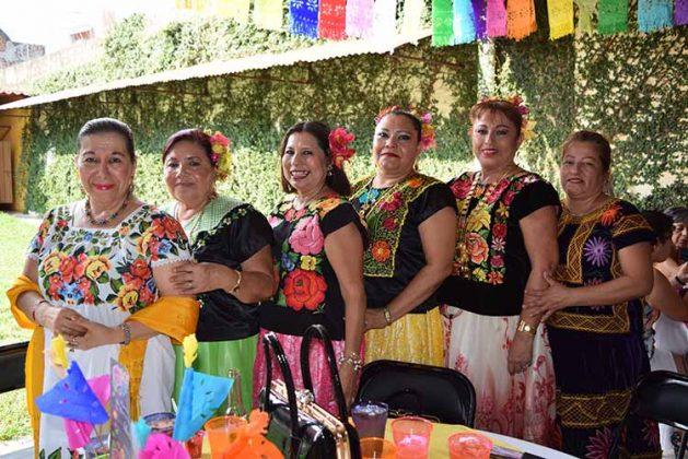 Carmen Becerra, Luis Pérez, Juanita Ulloa, Asunción Ordoñez, Adelina Espinosa, Rosa de León.