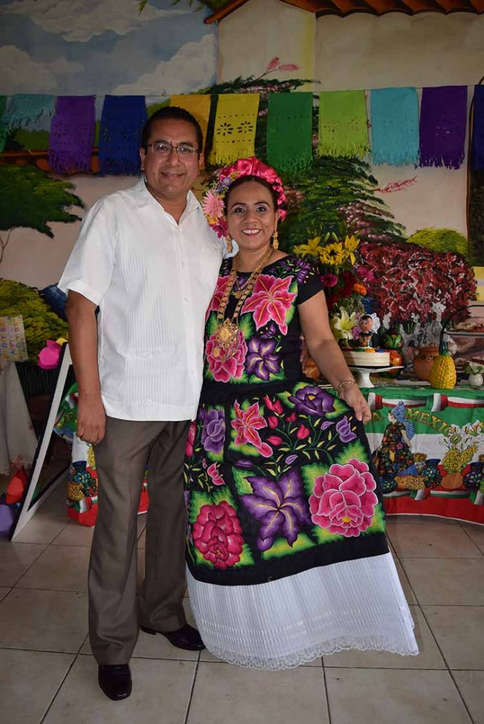 Oscar Tenorio, Lisette Velázquez.