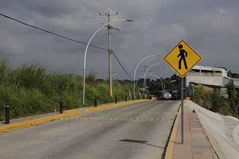 """Avanza Modernización de Vialidades en la Colonia """"Colinas Del Rey"""""""