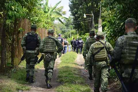 Alcaldes de diversos municipios de la región fronteriza, hicieron un llamado a la SEDENA para que intervenga y refuerce la seguridad ante la llegada de un gran número de centroamericanos ilegales, entre los que vienen infiltrados miembros de las maras.