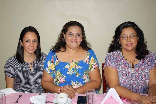 Mónica Huys, Teté Romero, María de Valenti.