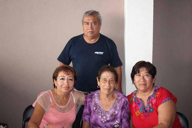 Familia Canseco de la Rosa.