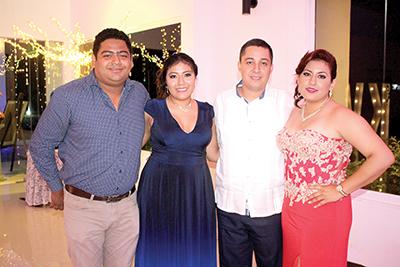 Roberto Canel, Ana Ake, Oscar García, Mauri García.