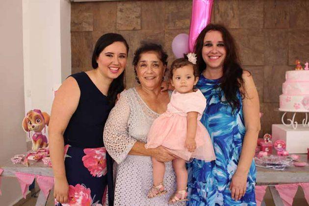 Andrea de Guizar, Sara de Antón, Sara, Marily Antón.