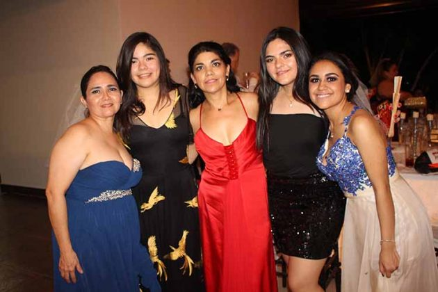 Selene de Leal, Lorena Contreras, Lulú de Espejel, Paola Contreras, Diana Sereno.
