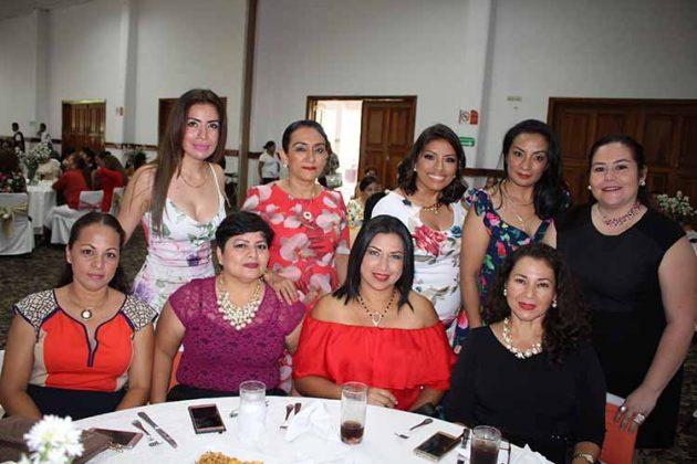 Tere Ranz, Grisel Sánchez, Yesenia Campos, Jacqueline Molina, Alejandra Tovar, Araceli Torres, Mirla Gómez, Verónica Cruz, Letty Guzmán.