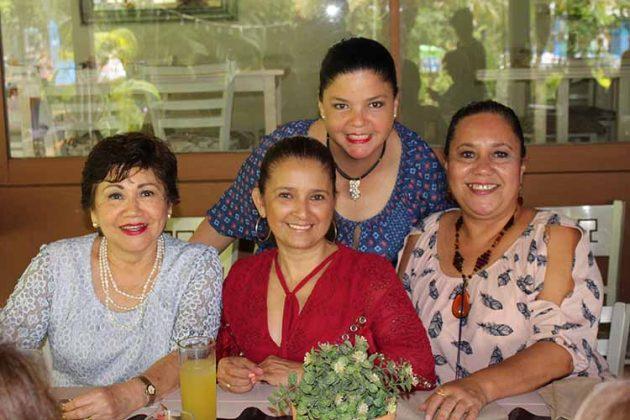 Conchita de Liy, Mónica Ruiz, Laura Guerra, María Antonieta Ruiz.