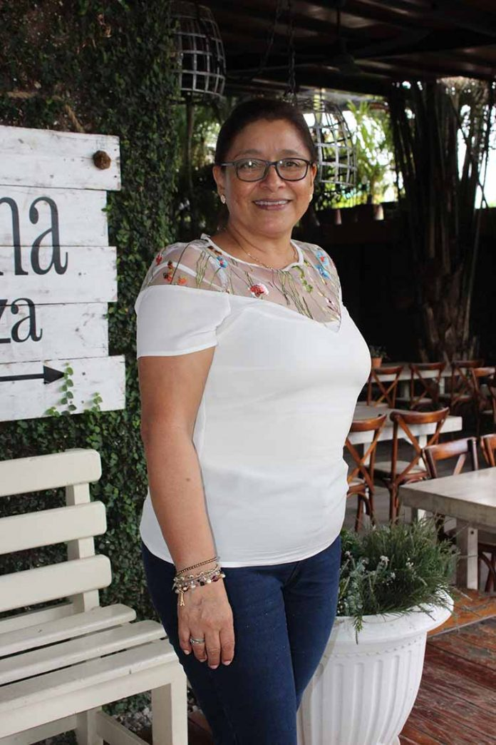 María Teresa Saavedra.