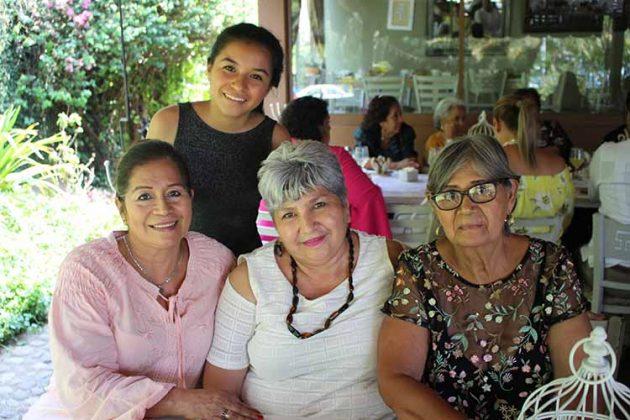 AideAncheyta, Diana Romero, Rosario Ovando, Lidia de Ovando.