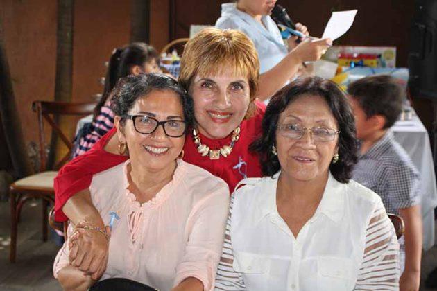 Delia Figueroa, Blanca León, Sonia Barrios.