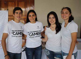 Santiago D´Amiano, Paola Liy, Andrea Cruz, María Bracamontes.