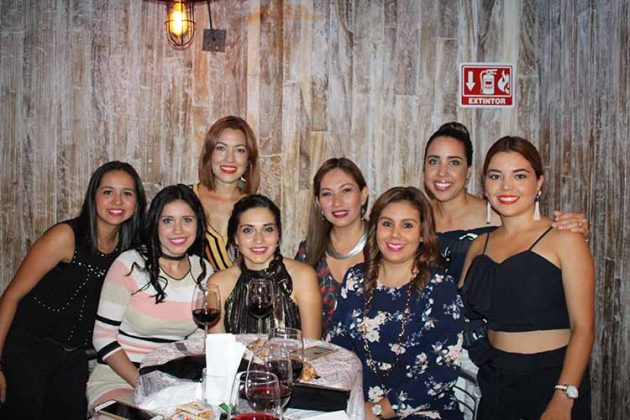 Iris Alcaraz, Jazmín Ruiz, Helena Macías, Michelle Cervantes, Lupita Vázquez, Rubí Ortiz, Raquel Maasberg, Silvia Cervantes.