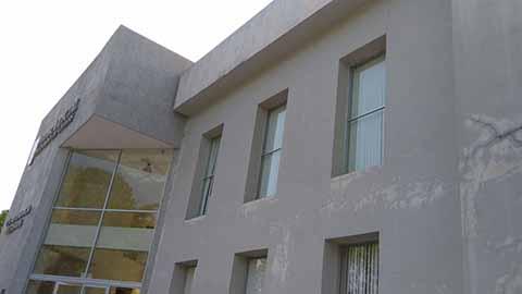 Usuarios Solicitan Reparación de Edificios Públicos Dañados por Sismos