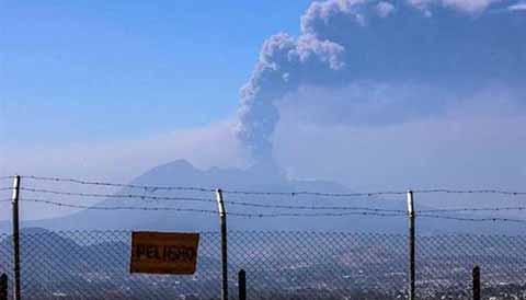 Alerta en Chiapas por Actividad en Cuatro Volcanes de Guatemala