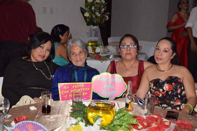 Jacqueline de Nieto, Lesbia Zarco, Marlene Martínez, Brenda Nieto.