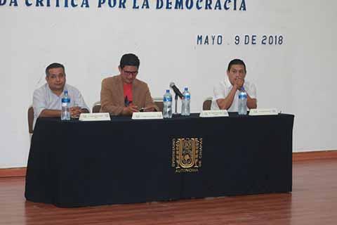 Universitarios Promueven la Participación Democrática