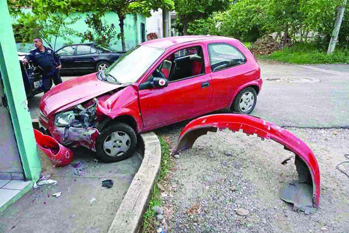 Daños Materiales en Múltiple Accidente Automovilístico
