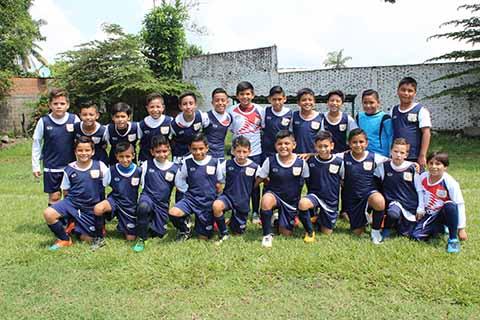 Central Deportiva Golea a Pumas