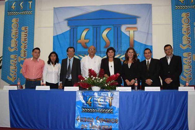Presidieron este evento: Eduardo Ochoa, Silvia Citalán, Alberto Hamada, Rafael Peñaloza, Vianey Arévalo, Brenda Valle, Fernando Villalobos.