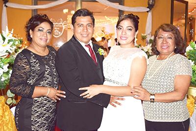 Blanca Lilia Gutiérrez, Alejandro, Liliana, Catalina Soriano.